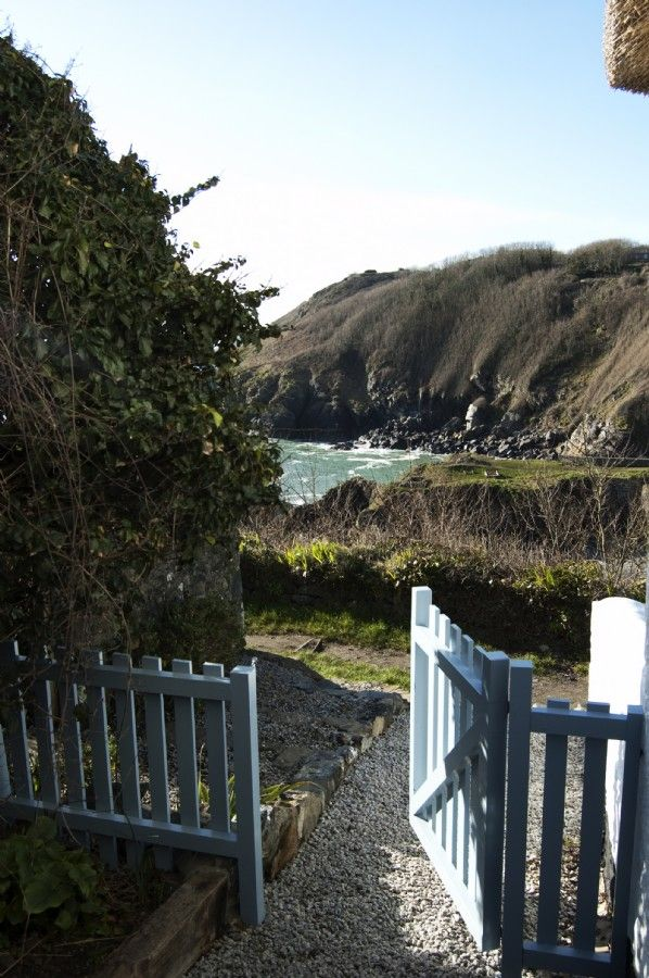 The Sea Rose, Luxury Cottage Cadgwith Cove, Cottage By the sea Cadgwith Cove
