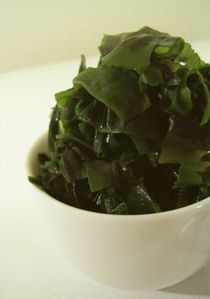 How to Do a Seaweed Detox Body Wrap at Home