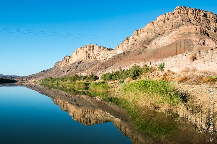 """Promenade le long de la rivière Orange à la frontière Afrique du Sud et Namibie (from <a href=""""http://www.krupa-photo.fr/piwigo/picture.php?/13310/category/496"""">Krupa photographies - Galeries</a>) Africa #Africain #African #Afrique #Afrique australe #Afrique du Sud #Canoë #Drakensberg #Fleuve #Gariep River #Groote River #Kayak #Lesotho #Montagne #Namaqualand #Namibia #Namibie #Orange River #Oranjerivier #Rivière Orange #Senqu River #South Africa #Southern Africa #Springbok"""