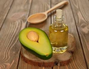 Avocado oil has a number of benefits and uses, and its use in hair care is one of its most important benefits. It is an edible oil that is extracted from the avocado fruit pulp and has a sweet and nutty aroma. It has a light texture that makes it is easily absorbed into the scalp and skin. Use of avocado oil can help deal with a number of hair...