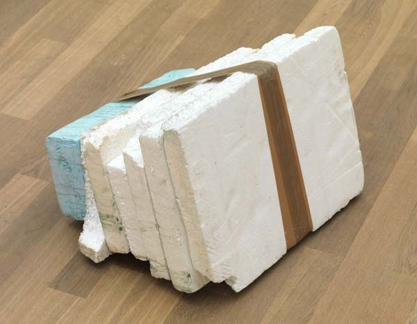 Thomas Rentmeister – Object untitled, 2011 Styrofoam, Styrodur, tape, colour dust 30 x 50 x 40 cm
