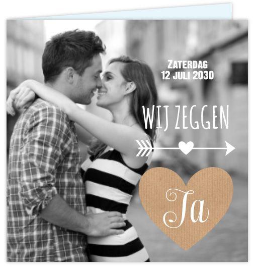 Prachtige trouwkaart met eigen foto en hartje van kraft. www.lillybird.nl