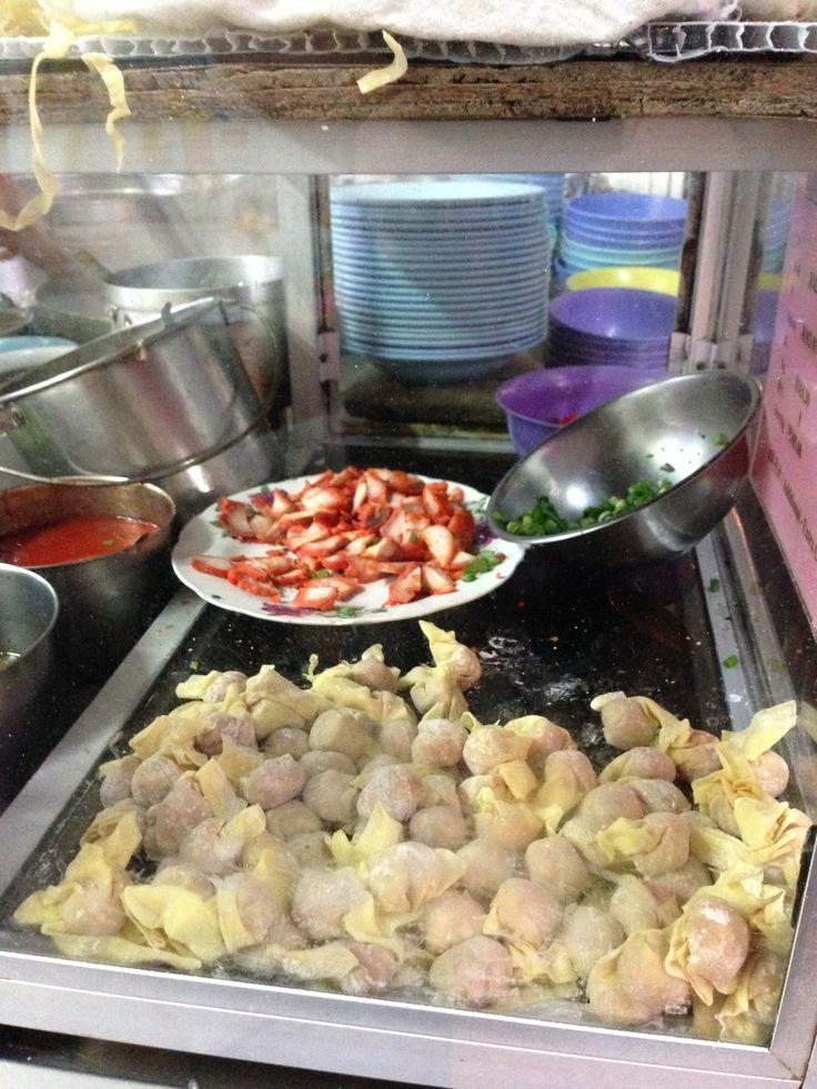 Wonton noodle stall