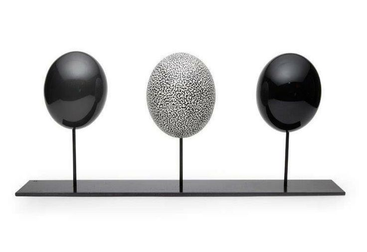 Deco Ostrich eggs  EPC7 Charcoal Shiny smooth -  EMS7 Charcoal Matt speckled   - EPC9 Black Shiny smooth