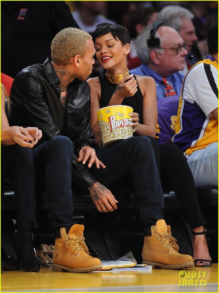 Rihanna & Chris Brown: Lakers Game for Christmas!