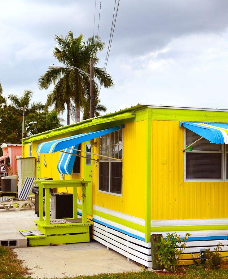 Fun Painted Mobile Home In Matlacha: Http://beachesbarsandbungalows.com/we