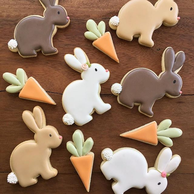Wahoo! @whiskedawaycutters just posted their new cutters so I can finally show you 2 of my new cookie cutters for Easter/Spring! Meet my sweet bunny and her teeny tiny carrot ❤️