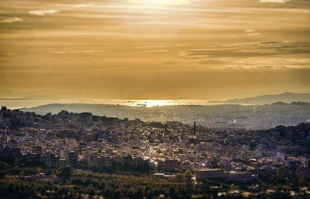 #goldenhour #view  #Athens #Athensvibe #Athensvoice #ig_athens #eyeofathens #we_capture_athens #loves_athens #in_athens #ig_greece #loves_athens #cityscape