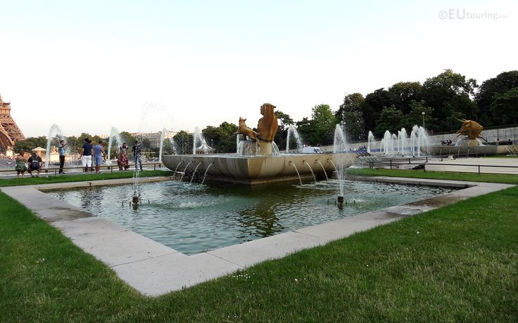16 best images about jardins du trocadero gardens on for Definition du jardin