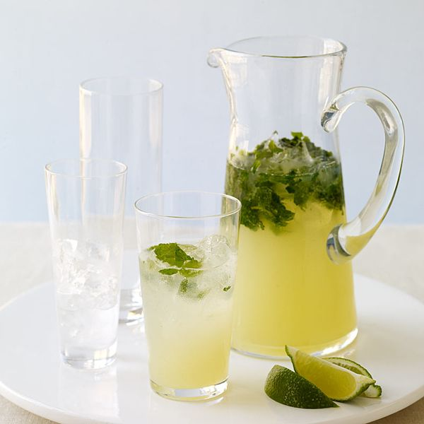 HINT OF MINT  weight watchers:  summery drinks: mojitos!
