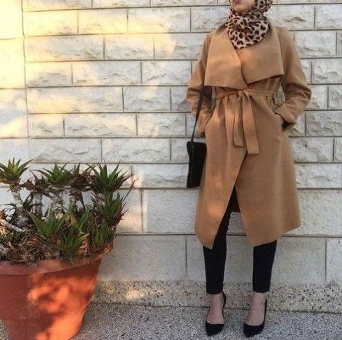 tan coat hijab outfit, Elegant hijab street styles http://www.justtrendygirls.com/elegant-hijab-street-styles/