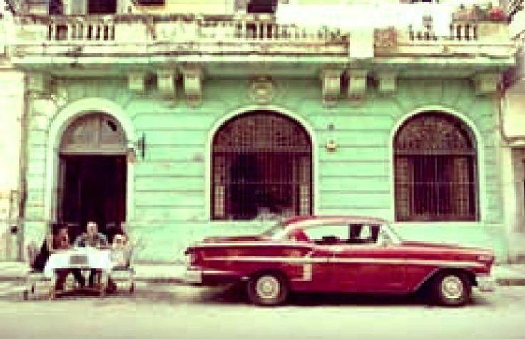 Twenty-one years ago #MichelMiglis arrived in #Havana. #OnCuba #Cuba #travel #holiday #traveling #travelling #vacation #sun #hot #love #ilove #instatravel #tourist #traveler #instalive #instalife #tourism #gf #colore #tagsta_travel #beauty #beautiful #amazing #tweegram #photooftheday #20likes #follow4follow #like4like