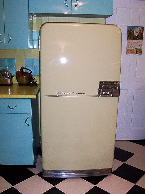 les 66 meilleures images du tableau vintage r frig rateur sur pinterest pour la maison. Black Bedroom Furniture Sets. Home Design Ideas