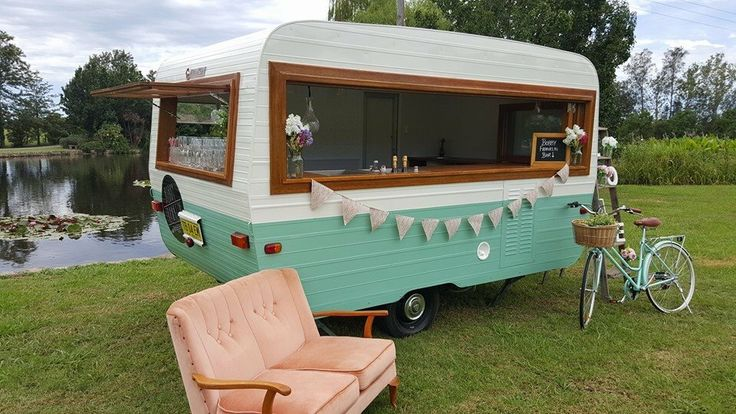 #vintagecaravan #bobbyfranklinvintagecaravan #mobilebarsydney #caravanhire Vintage Baravan #vintagewedding #weddingprophire