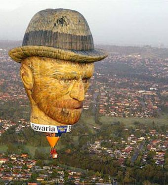 Vincent van Gogh 100 foot tall hot air balloon: Hotair, Vans, Air Baloon, Gogh Balloon, Beautiful Balloon, Vincent Van Gogh, Hot Air Balloons, Balloon Head, Vangogh Hot