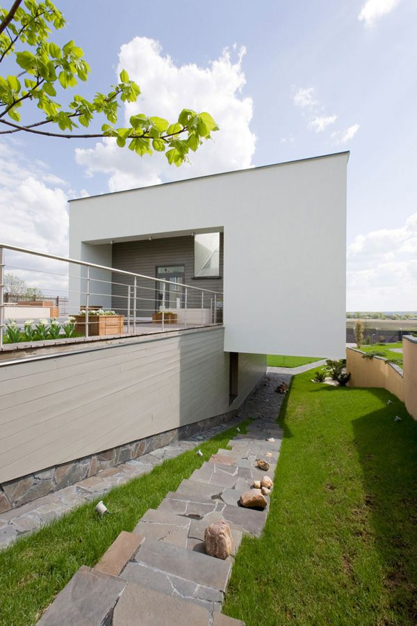 Underground building: House in Nicolas' Hill