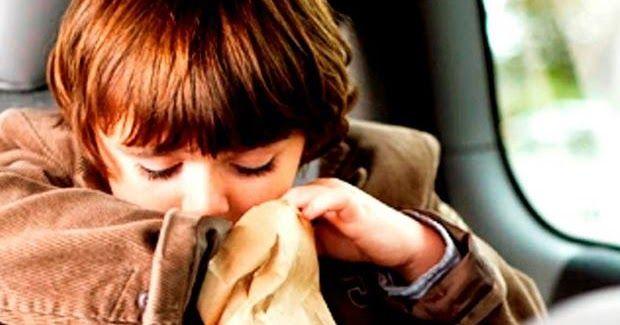 Cara Mencegah Mabuk Perjalanan Saat Si Kecil Mudik. (Istimewa).  JAKARTA - Mabuk perjalanan bisa terjadi oleh siapa saja termasuk pada anak-anak. Umumnya kondisi ini disebabkan karena otak menerima informasi yang tidak cocok dari telinga mata dan saraf secara ekstrem. Karena itu ia akan mengalami gangguan pada perut kelelahan hingga muntah. Dilansir dari Essential Kids dokter layanan primer di Mayo Clinic Health System Jodi Bresca MD menjelaskan bahwa mabuk perjalanan bisa terjadi pada anak…