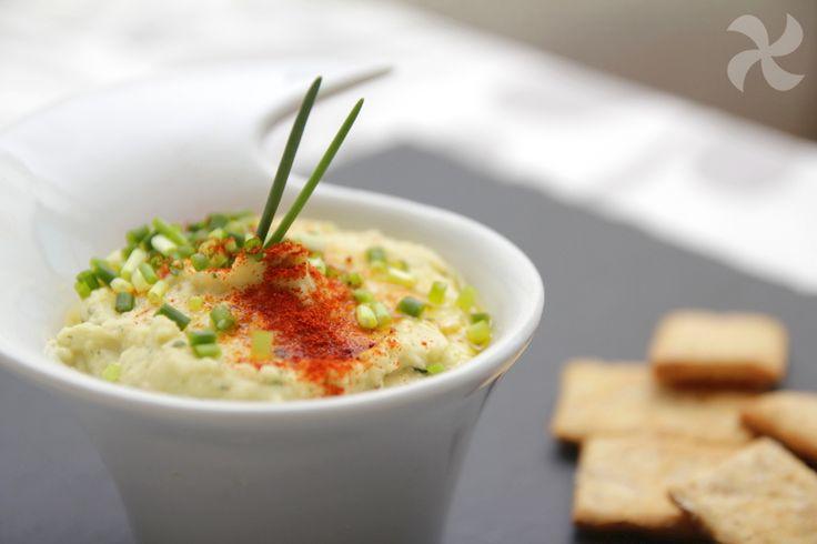 Hummus de yogur y hierbabuena - https://www.thermorecetas.com/hummus-yogur-hierbabuena/