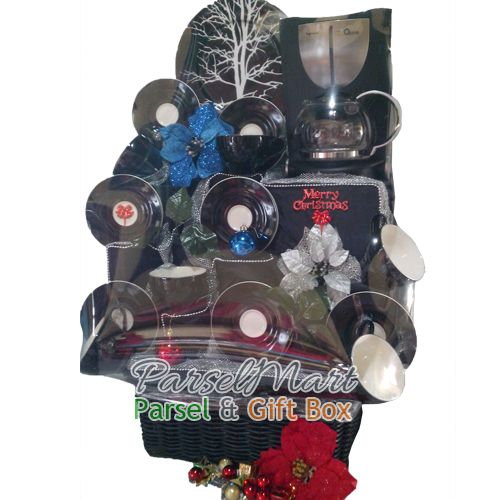 Christmas Hamper, design exclusively for your perfect christmas gift. IDR 1.799.000  see more products at http://parselmart.com
