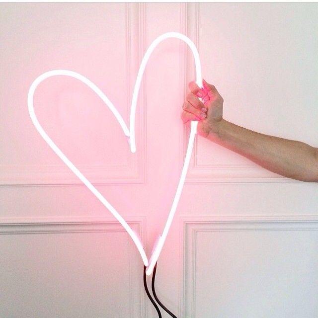 neon heart | endeavour neon