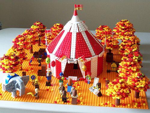 brickshow:    LEGO Fall Circus (by lisqr)