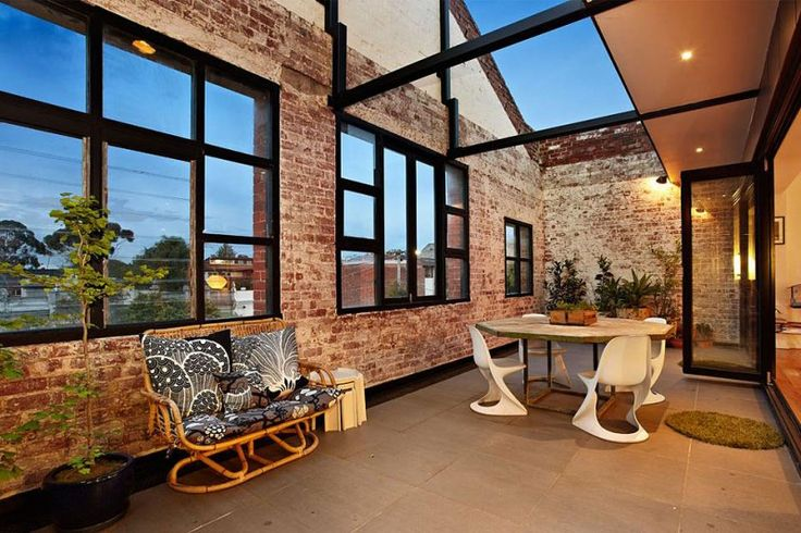 New York-Style Warehouse Conversion in Melbourne | HomeDSGN, a daily source for inspiration and fresh ideas on interior design and home decoration.