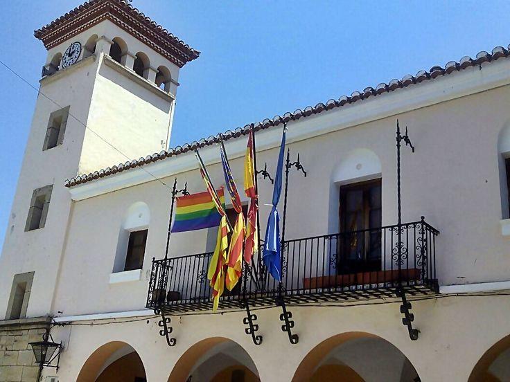 La bandera del Orgullo Gay ondea en varios pueblos del Alto Palancia
