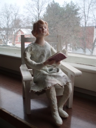 The Reading Girl by NooraMerika