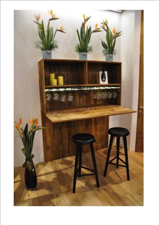 parete porta bottiglie e porta bicchieri : Cantina di CORDEL s.r.l.
