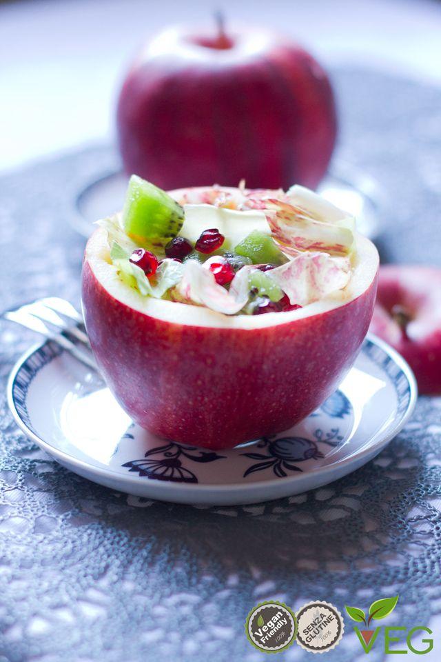 Un'insalata autunnale è proprio quello che ci vuole per iniziare un pranzo o una cena con un antipasto sfizioso e delicato.