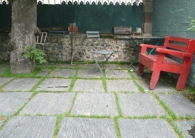 Dalles ardoises joint de verdure les mains dans la terre pinterest album - Joint dalle terrasse ...