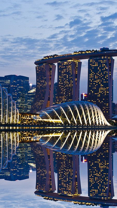singapore_reflection_sky_architecture                                                                    _69287_640x1136 | Flickr - Photo Sharing!