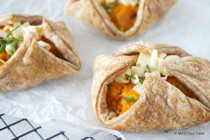 Zoete aardappel taartjes met bladerdeeg - Mind Your Feed