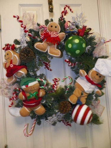 Custom Gingerbread man Heirloom wreath