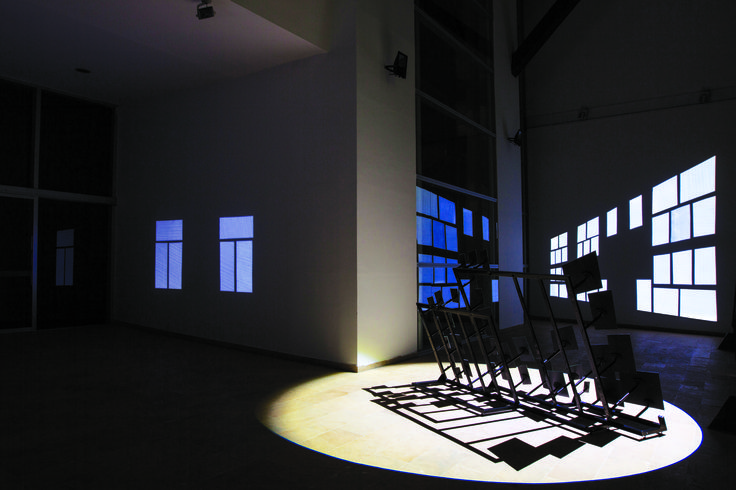 John Mario Ortiz. Speculative, 2012. Iron structures, mirrors, LED spot lights. Variable dimensions.