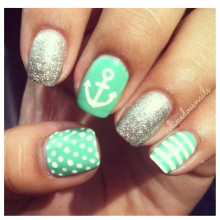 GIMME THESE COLORS I NEED THESE NAILS plus my right hand is like perfect... lol