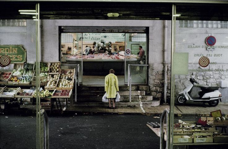 Magnum Photos Blog - Harry Gruyaert, France, Biarritz, Covered market, 2000