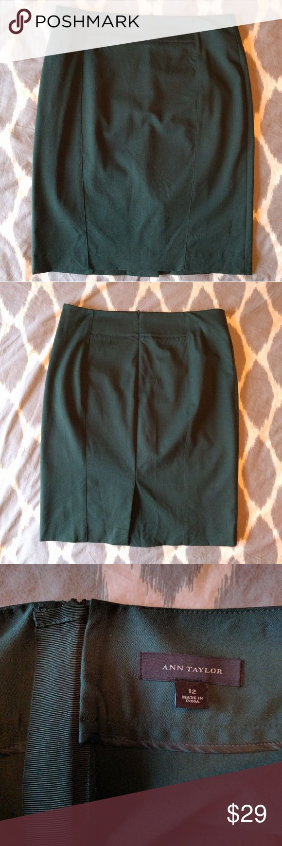 Ann Taylor stretch pencil skirt hunter green 12 EUC! Sleek and stretchy, our amazingly sharp pencil skirt sports contoured seaming details for figure flattering definition. Hidden back zipper with snap closure. Back vent. Ann Taylor Skirts Pencil