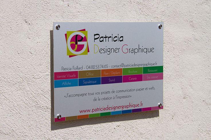 Création plaque professionnelle aluminium Agence de communication Saori Beaujolais Val de Saône