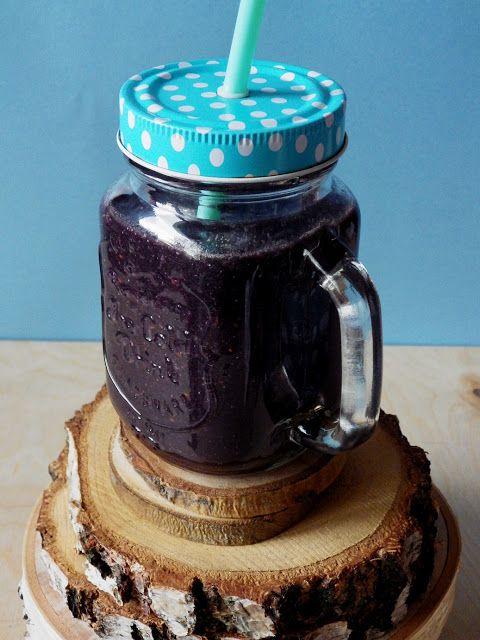 Quinoa Raz!: Czarne detoksykujące smoothie z quinoą
