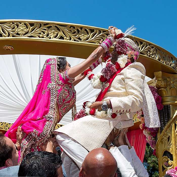 Var Mala Ceremony - An Important Ritual of Traditional Indian Wedding