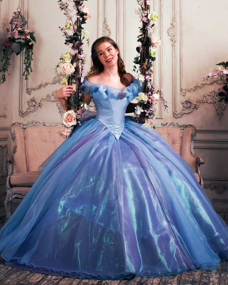 «#cinderella2015 #cinderellacosplay #Cinderella #cosplay #cosplayer #ballgown #gown #disney  #disneycosplay #sparkles #косплей #золушка #золушка2015…»