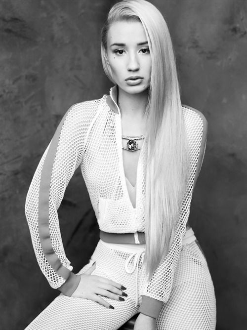 White Outfit. White Tracksuit. Urban Fashion. Urban Outfit. Sporty Outfit. Swag. Iggy Azalea Style