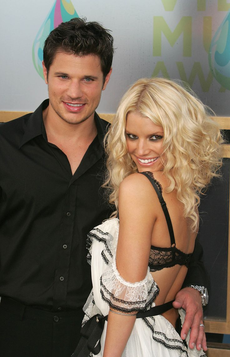 Young love on the red carpet: Nick Lachey and Jessica Simpson