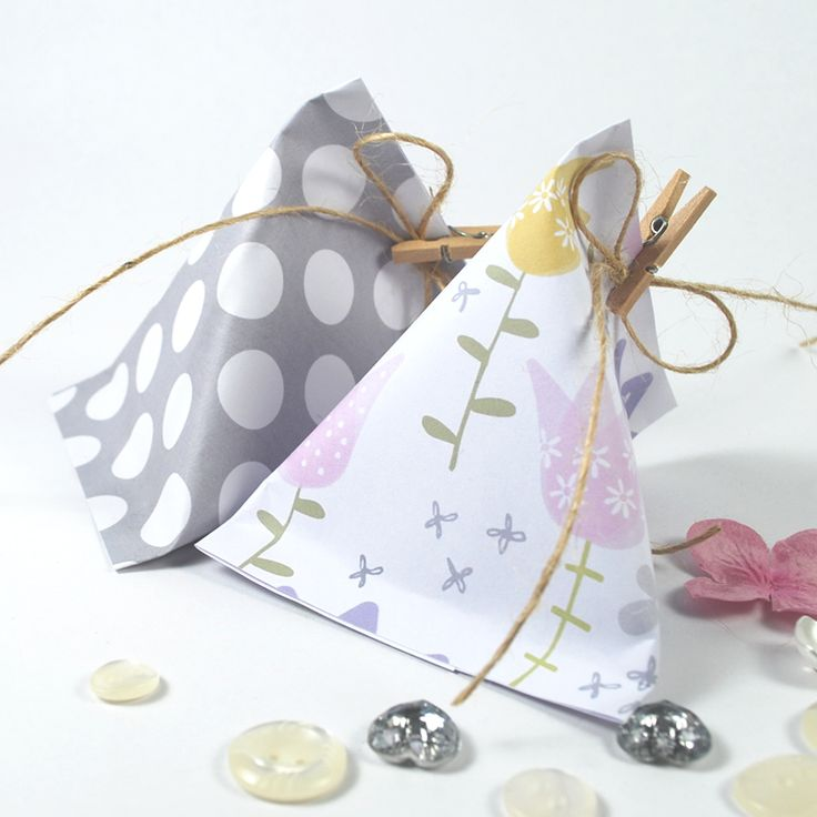 Tutorial: How to make Sour Cream Container Gift Pouches