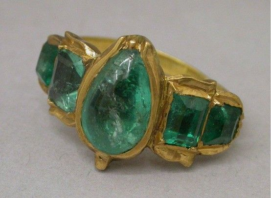 580-18k-yellow-gold-diamond-emerald-solitaire 16th century France gold ring with…