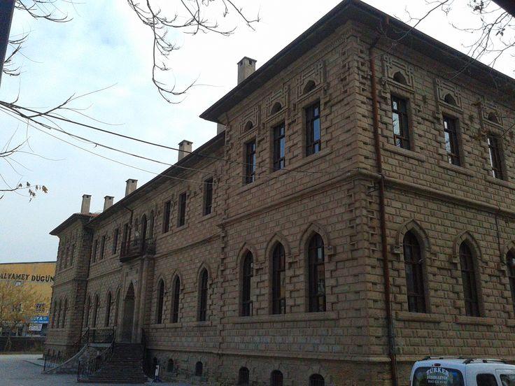 TURKEY - Aksaray / Date Aksaray high school in 1860 ( 1860 Yılları , halen kullanılan Aksaray Lisesi )