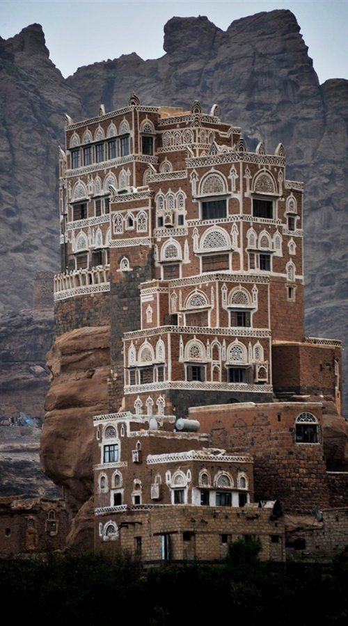 Will my readers notice if the only buildings in my world are really awesome castles and palaces? Wadi Dhar Rock Palace, Yemen #palace #setting