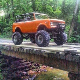 Check out this sick international scout from @randygrc  Posting only modified Suv's!  #international #scout #internationalscout #ultimatesuv #suv #liftedsuv #lifted #4x4 #offroad #boggers #ford #bronco #excursion #expedition #explorer #chevy #tahoe #blazer #suburban #yukon #suvgang #jeep #wrangler #cherokee #mercury #mountaineer #toyota #4runner #fj #landcruiser