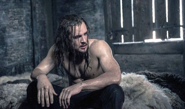 Alexander Dreymon in The Last Kingdom Season 2 (4)